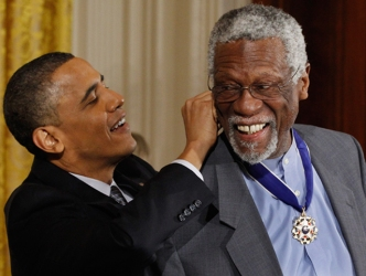 Bill Russell Takes Knee Wearing Presidential Medal of Freedom