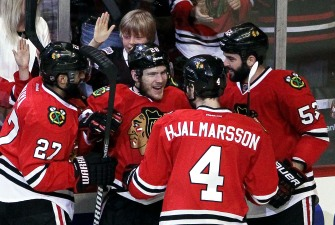 Three Stars: Smith Shines Even as Blackhawks Falter