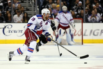 Blackhawks Sign Richards to 1-Year Deal