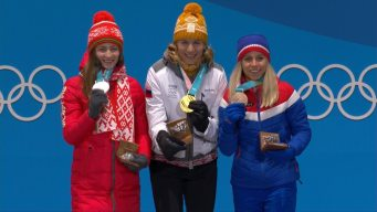Medal Ceremony: Kuzmina Receives Gold for 12.5km Mass Start