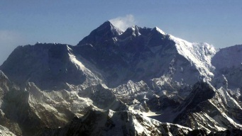 Beware Everest Graffiti Artists, China Is Watching You