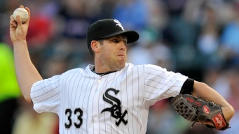 Dunn Homers as White Sox Beat Red Sox