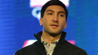 "Olympian Evan Lysacek to Lindsey Vonn: ""My Heart Goes Out to You"""