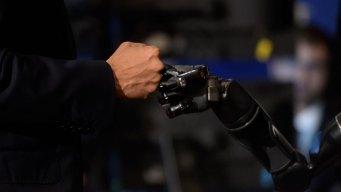 Brain Chips Help Paralyzed Man Fist-Bump President Obama