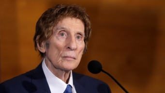 Detroit Tigers, Red Wings Owner Mike Ilitch Dies at 87