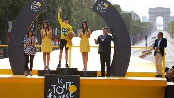 Froome Makes Emotional Tour Victory Speech
