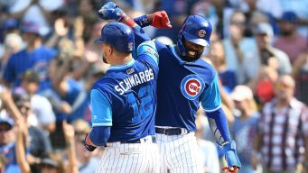 Bote, Schwarber Power Cubs to Sweep of Reds