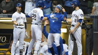 Brewers Move Into First-Place Tie With Cubs
