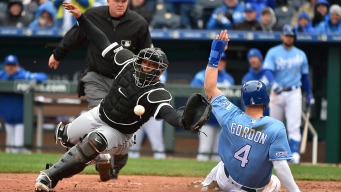 White Sox Drop Second Straight, Fall to Royals