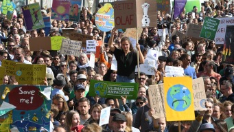 'Don't Be a Fossil Fool': Young Protesters Demand Climate Change Action