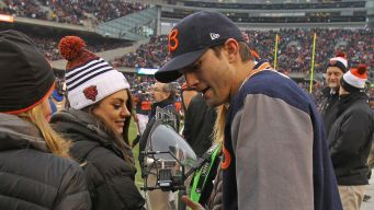 Kutcher Shows His Bears Pride Ahead of Hall of Fame Game