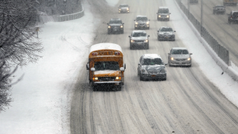 Some Chicago-Area and NW Indiana Schools Close, Delay Starts