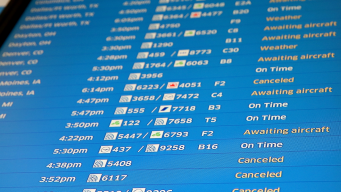 Airlines Waive Change Fees Ahead of Chicago Area Snowstorm