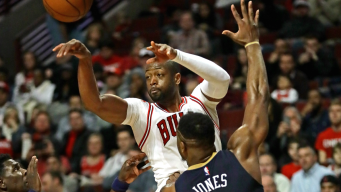 Dwyane Wade Has Big 4th Quarter, Leads Bulls Past Pelicans
