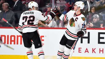 Kane Leads Blackhawks Past Penguins