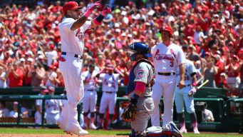 Molina Smacks Two Home Runs as Cards Blank Cubs