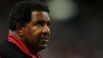 Trailblazing Coach Dennis Green Dies at 67