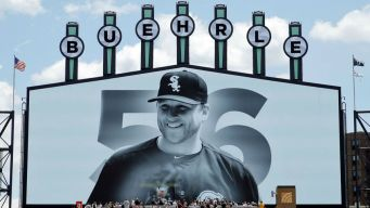 White Sox Retire Mark Buehrle's Number