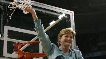 Legendary Women's Basketball Coach Pat Summitt Dies