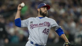 White Sox Acquire Relievers in 3-Team Trade