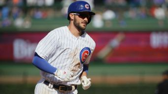 Bryant Makes History for Cubs in Win