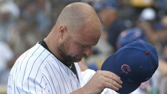 Lester Pays Emotional Tribute to Uncle During Cubs Game