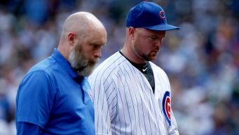 Lester Leaves With Injury as Cubs Lose