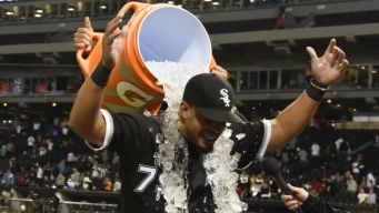 Abreu Hits for the Cycle as White Sox Blow Out Giants