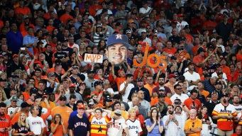Astros Beat White Sox to Complete Sweep