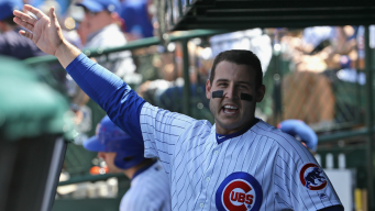 Cubs' Anthony Rizzo Wins 2nd NL Gold Glove Award