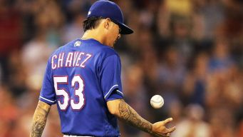 Cubs Acquire Chavez in Swap With Rangers