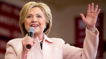Clinton to Hold Fundraising Event in Chicago Next Week