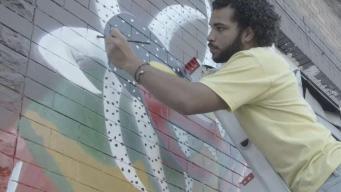 Hispanic Artist Raises Cultural Awareness Through Art in Chicago