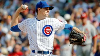 Hendricks Dominates as Cubs Knock Off Cardinals