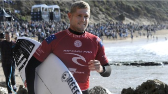 Surfer Mick Fanning Retires, Rides His Last Competitive Wave