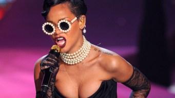 Rihanna Sends $5K Check to Illinois High School