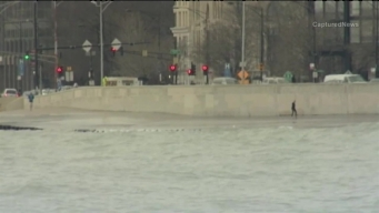 Chicago's Lakefront Turns Icy