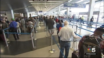 Travelers Flock to Chicago Airports for Memorial Day Weekend