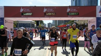 2019 Bank of America Chicago Marathon Finish Line Cam 17