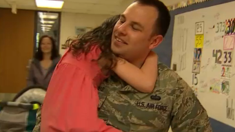 Air Force Dad Surprises Daughter in Chicago Area