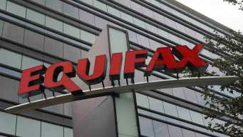 Under Pressure From Congress, IRS Suspends Equifax Contract<br />