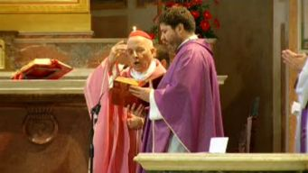 Cardinal George Welcomed at Pre-Conclave Mass