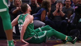 Hayward Dislocates Ankle, Fractures Leg in Celtics Debut