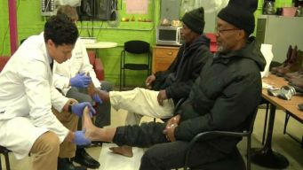 Hearts to Soles: Group Helps Homeless in Chicago Stay Warm