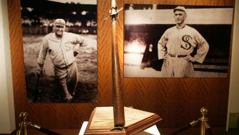 Former White Sox Player's Bat Auctioned for $583,500