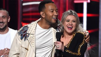 John Legend and Kelly Clarkson Release Updated Version of 'Baby, It's Cold Outside'