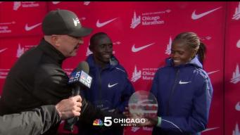 Watch Chicago Marathon Winners Receive Awards for 2019 Race