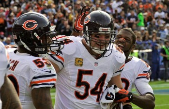 Urlacher's Teammates React to his Retirement