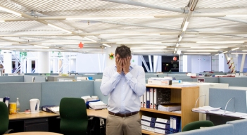 Tips for Navigating Workplace Romance