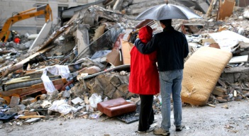 Chicago's Italians Reach Out After Earthquake